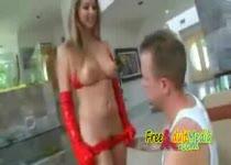 PLaatje van Sexy rood gekleed super babe met een paar mooie borsten