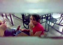PLaatje van Betrapt tijdens het pijpen op school