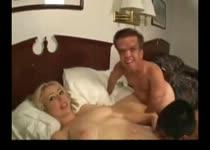 PLaatje van Blonde slet heeft sex met kabouters