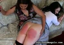 PLaatje van Lesbo spanking