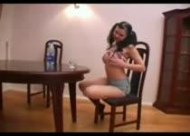 PLaatje van Flesje dient als sexspeeltje