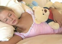 PLaatje van Tiener neukt haar vriend wakker