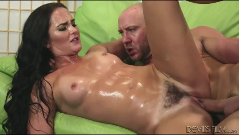 PLaatje van Haar harige poesje van orgasme naar orgasme geneukt