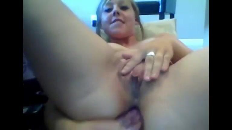 PLaatje van Geile tienermeid voor de sexcam