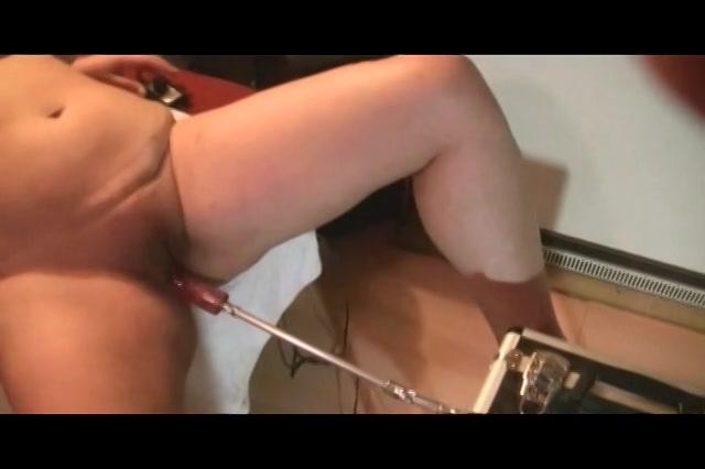 PLaatje van Haar kut voor het eerst geneukt door sexmachine