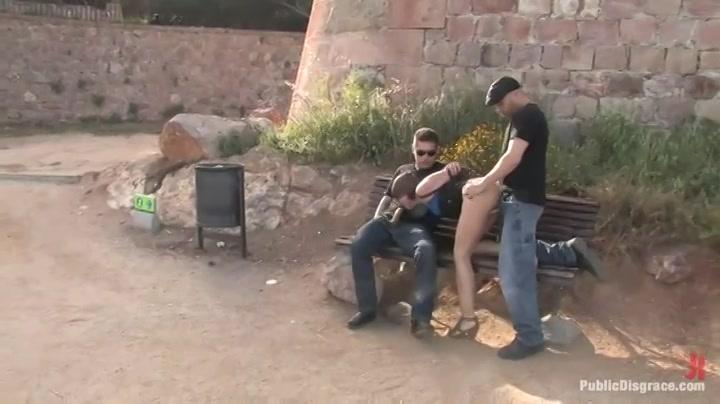 PLaatje van Knal harde trio sex in een openbaar park