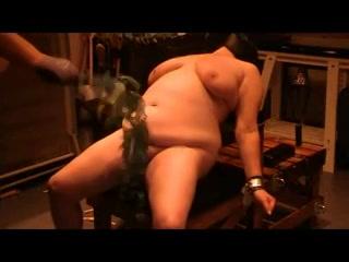 PLaatje van BDSM met brandnetels