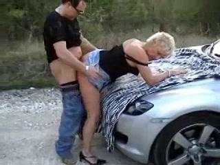 PLaatje van Geile op seks beluste cougar heeft beet