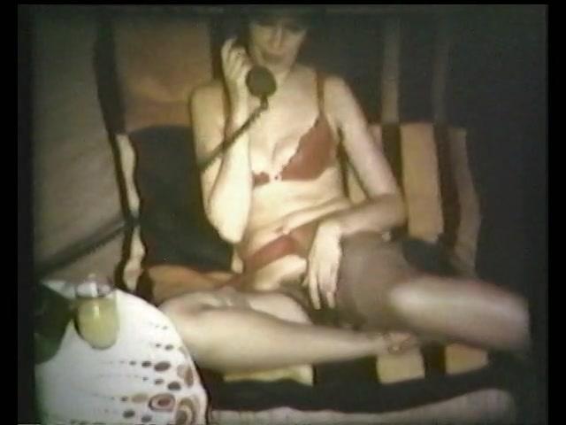 PLaatje van Extreem harige fotze in vintage masturbatie film