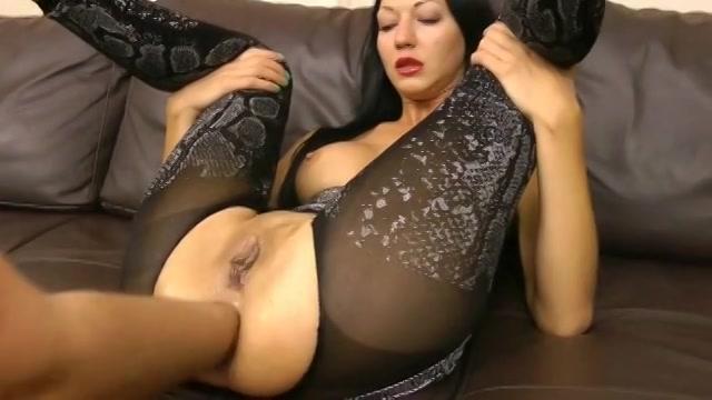 PLaatje van Extreme lekkere milf krijgt een vuist anaal