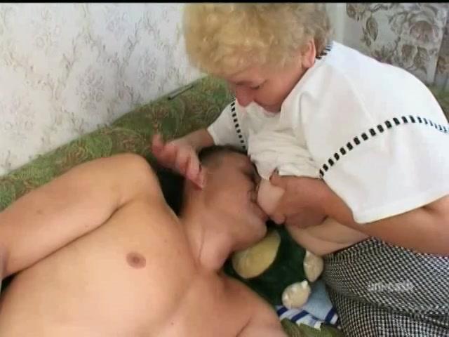 Bij oma aan de tiet