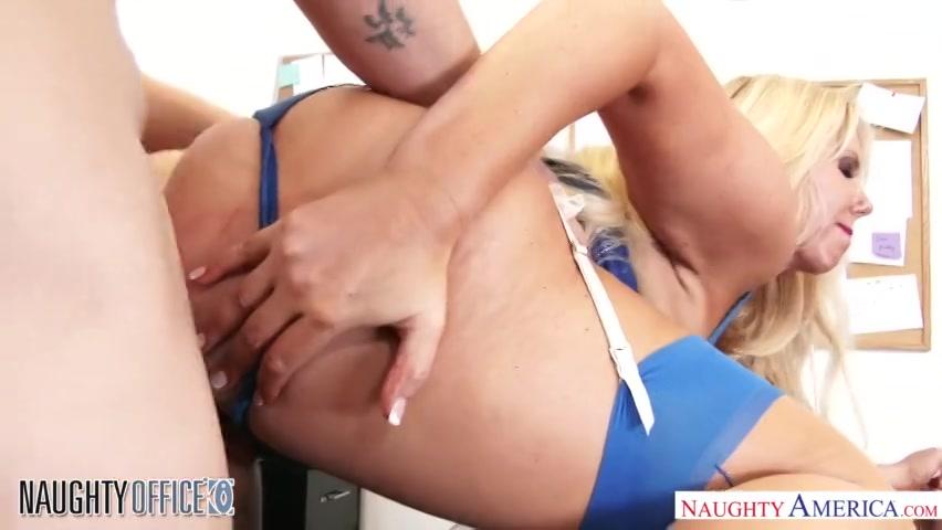 PLaatje van Sexy bazin wil waar voor haar geld
