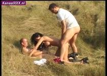 Een sex trio in de duinen van zandvoort