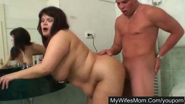 Hij wordt betrapt in deze gratis amateur sex film