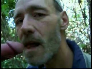 stiekem filmen in het bos