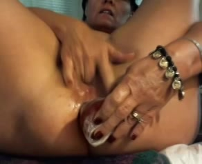 Mature Latina squirt